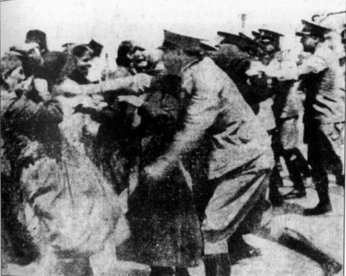 1935: Poliţia la îndemnul lui Hrisostom Papadopulos, primatul Bis. oficiale a Greciei atacă credincioşii vechi-calendarişti