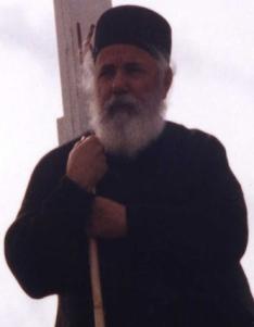 Preacuviosul Părinte Ieromonah Theodorit Aghioritul, autor a numeroase lucrări theologice şi de vieţi ale sfinţilor ziloţi şi 'vechi-calendarişti'. Scrisul său poate fi caracterizat ca echilibrat/obiectiv şi profund.